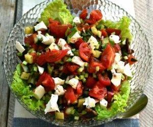 Салат из свежих и грилованных овощей с сыром - 2