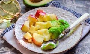 Смузи с авокадо и шпинатом - 1