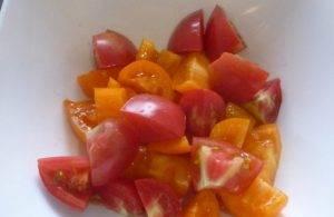 Салат из помидоров с арахисом - 1