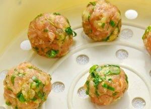 Котлетки паровые из лосося со шпинатом - 1