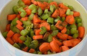 Салат из сельдерея и моркови - 1