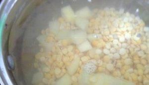 Диетический суп с куриными клецками - 1