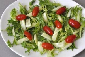 Зеленый салат с печенью - 1