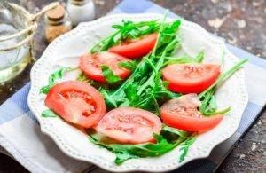 Салат с баклажанами и рукколой - 1
