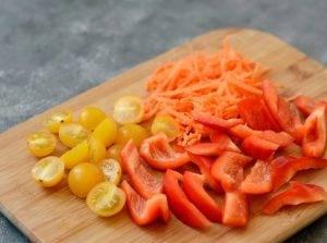 Салат с сухариками и болгарским перцем - 0