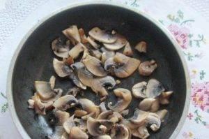Салат с мясом и жареными шампиньонами - 2