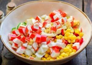 Салат с ананасом и перцем - 1