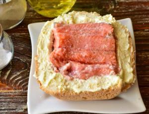 Рыба, запеченная в хлебе - 1