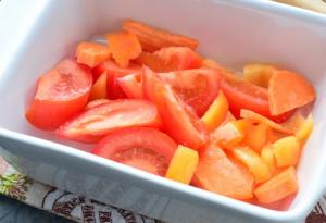 Сельдь в духовке с овощами - 1
