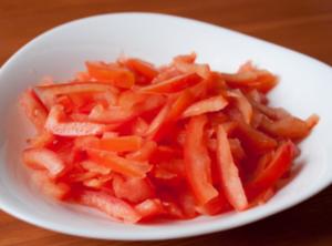 Салат из курицы с рисом и фасолью - 1