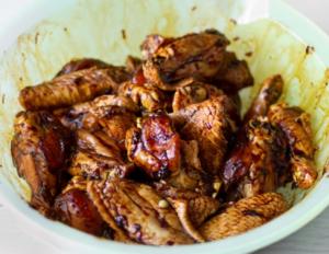 Острые куриные крылышки в соевом маринаде - 1