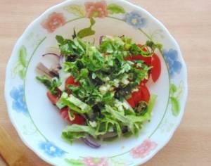 Салат с языком и черносливом - 1