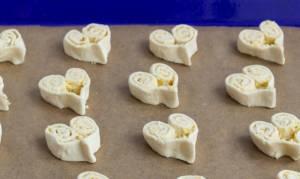 Слойки с сыром на 14 февраля - 2