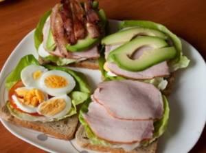 Сэндвич с кобб-салатом - 0