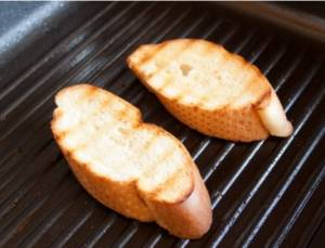 Брускетта с печеным перцем и фетой - 0